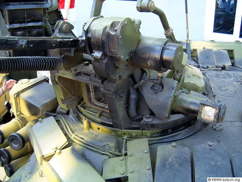 جولة داخليه في الدبابة الجزائرية T-90s . T-90S_005
